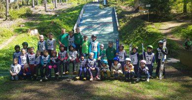 Grundschulwettbewerb Skispringen und Miniskifliegen in Grüna