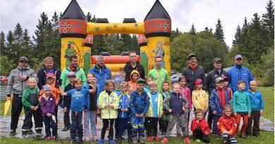 Miniskifliegen und Grundschulwettbewerb in Scheibenberg